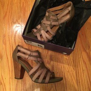 clarks rosa hyde sandal heel taupe